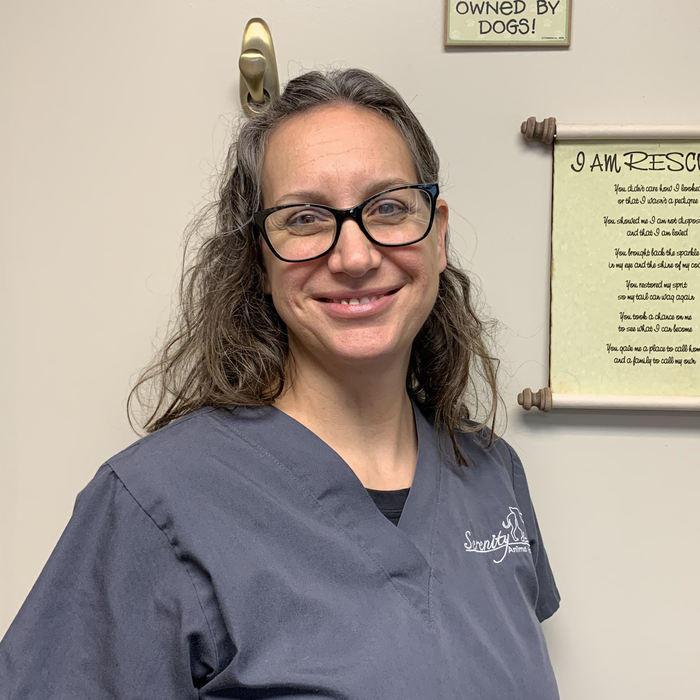 Dr. Julie Sherman</br> Veterinarian photo